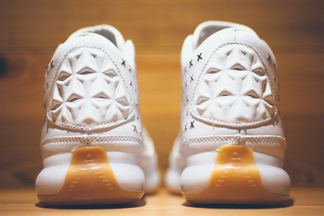 Nike Kobe 10 Ext White Gum Gold 1