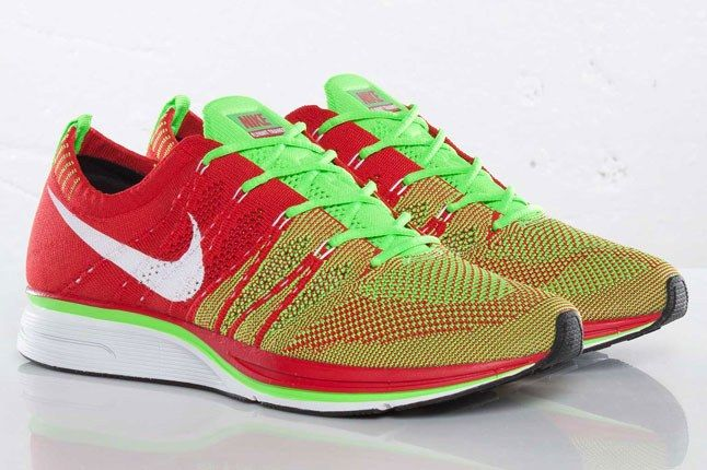 Nike Flyknit Trainer Candy Apple 1