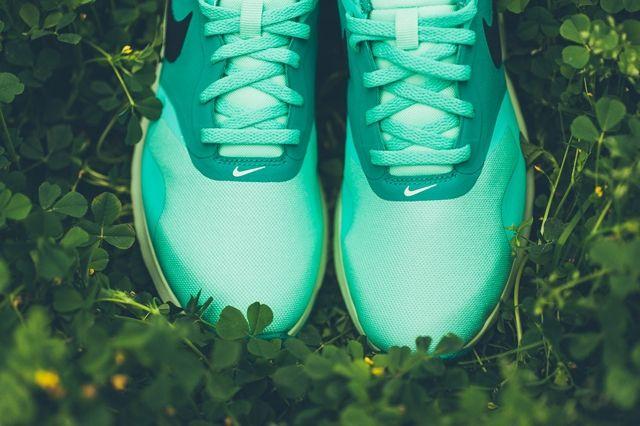 Nike Air Max Tavas Green Glow 3