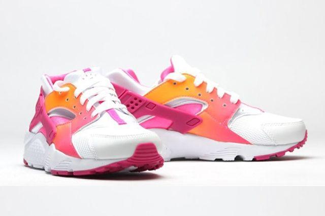 Nike Air Huarache Vivid Pink 2