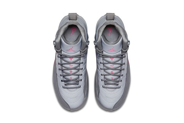 Air Jordan 12 Vivid Pink 3