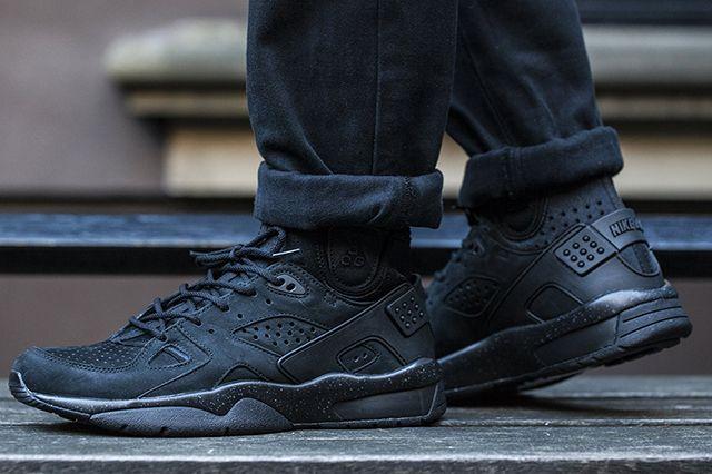 Nike Air Mowabb Og Black 7