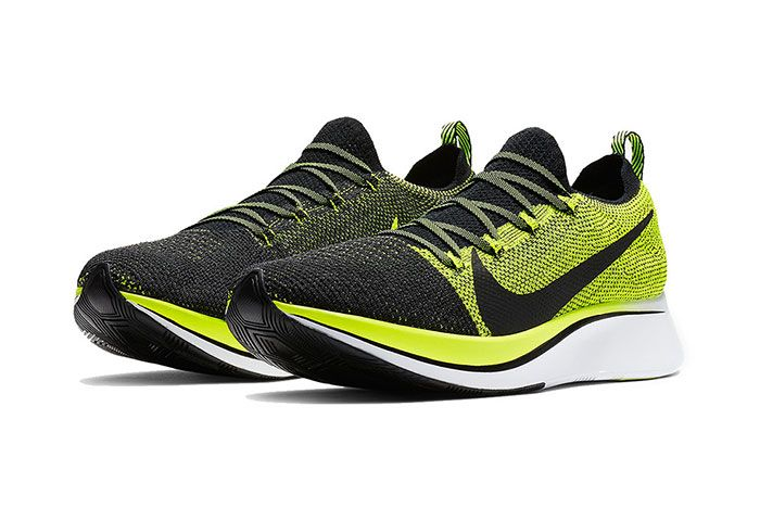 Nike Zoom Fly Flyknit Volt Black 3