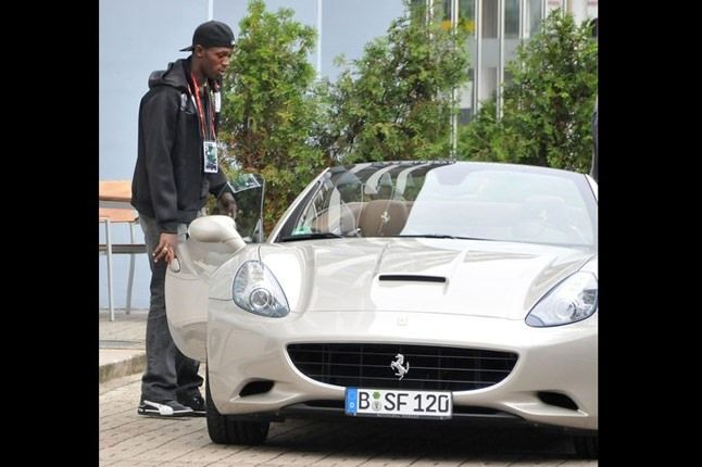 Usain Bolt Ferrari California Car 1