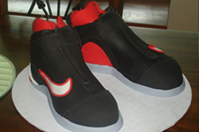 Sneaker Freaker Sneaker Cakes Glove 1 1