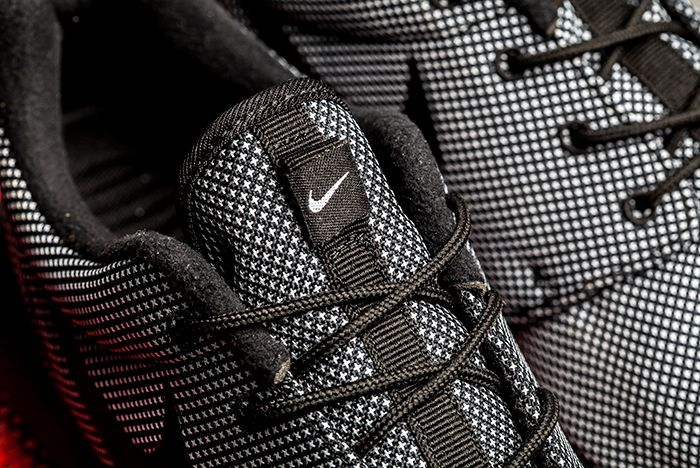 Nike Roche One Prm Black 2