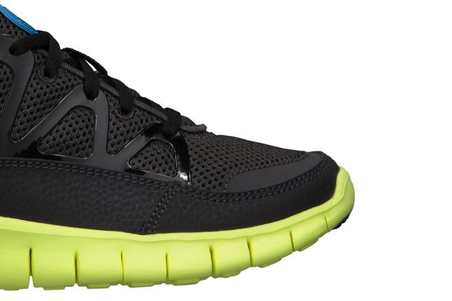 Nike Free Huarache Light Electric Blue Volt Toe 1