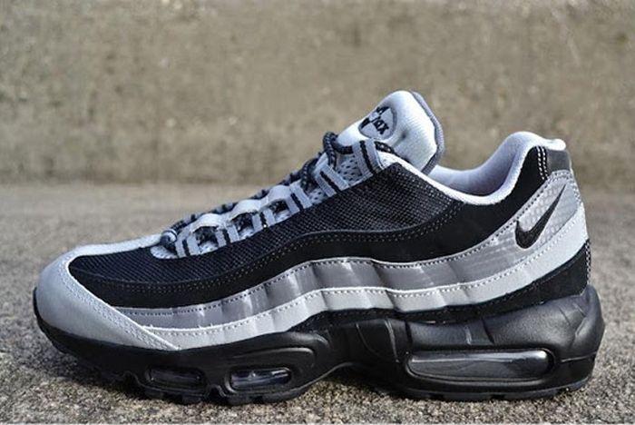Nike Air Max 95 Black Wolf Grey 2