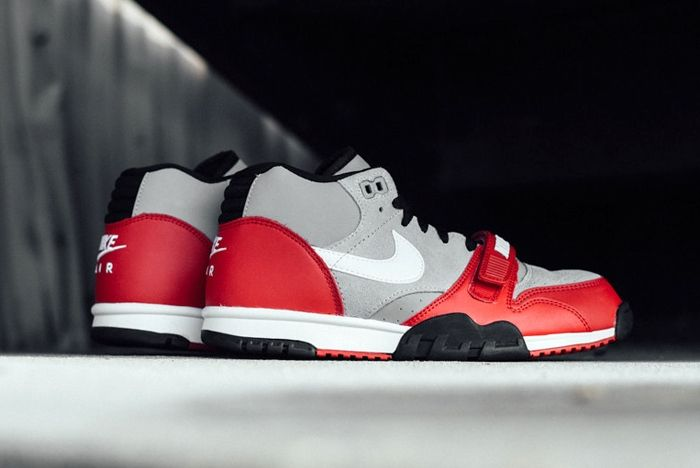 Nike At1 Wolf Grey Uni Red Sneak Politics Bump 5