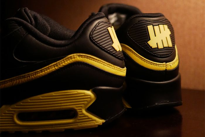 Undefeated Nike Air Max 90 Black Optic Yellow Leak Cj7197 001 Release Date Heels