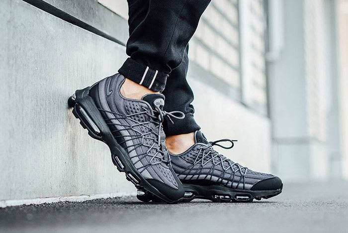 Nike Air Max 95 Ultra Se Black Dark Grey 4