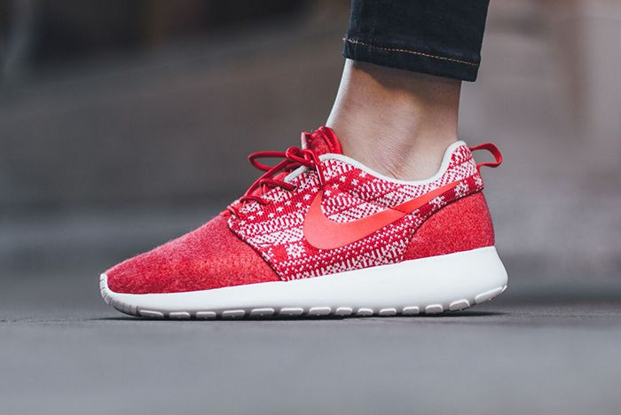 Nike Roshe One Winter Wmns Sweater Pack4