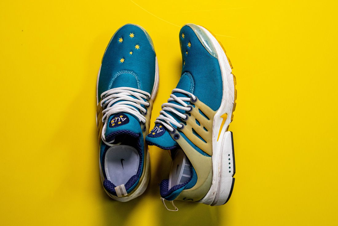 2000 Nike Air Presto Australia Olympic OG Side