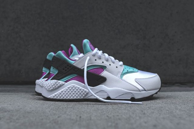 Nike Wmns Huarache Fuschia Teal Bump 1