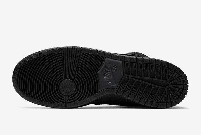 Nike Sb Dunk High Winter Triple Black 1