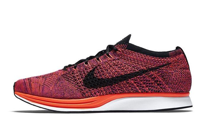 Nike Flyknit Racer Acai Berry 5