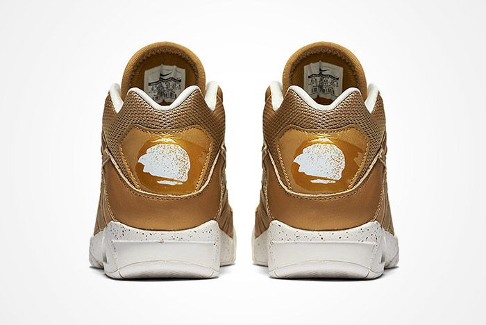 Air Tech Challenge Gold Heel