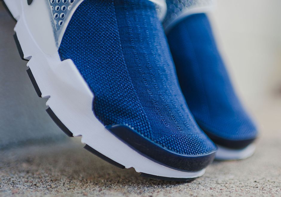 Nike Sock Dart Midnight Navy Available 5