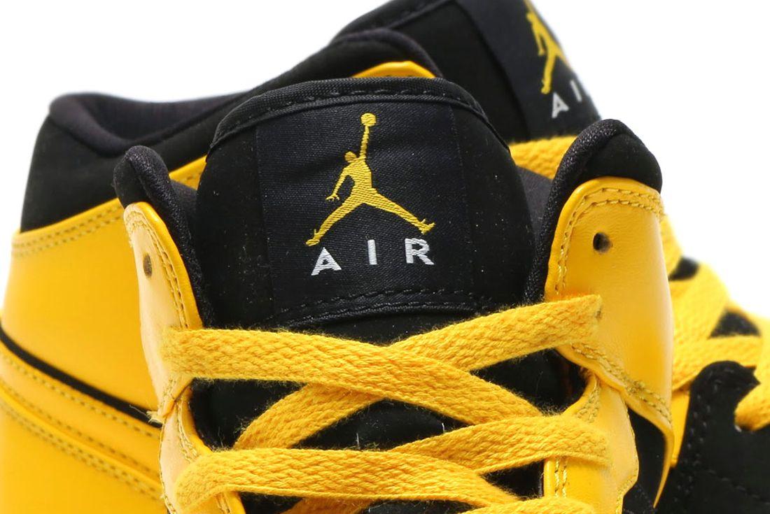 Nike Air Jordan 1 Varsity Maize 6