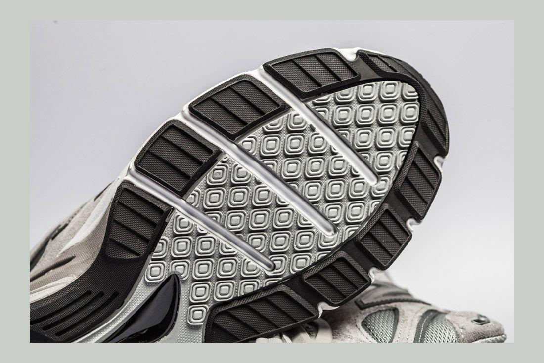 New Balance 990 V4 Detail 8