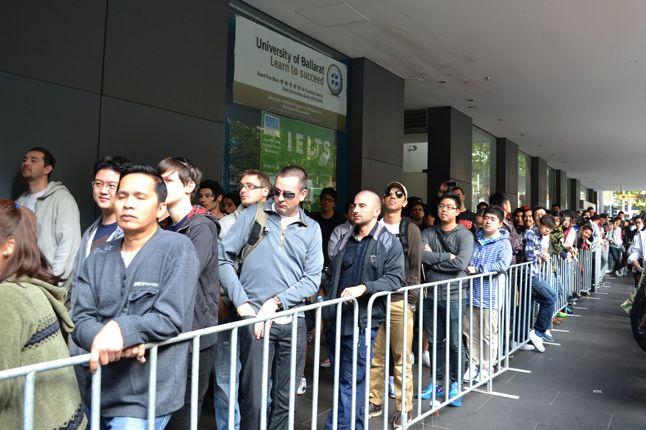 Melbourne Galaxy Foamposite Launch Kickz101 02 1