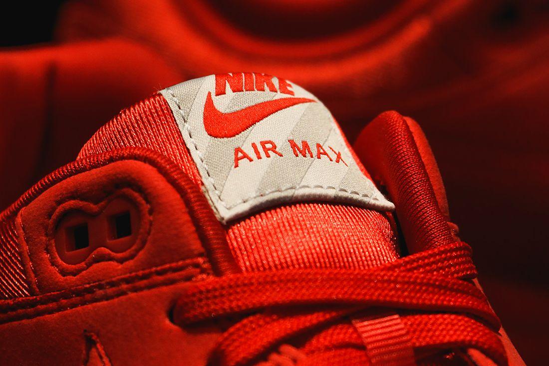 Nike Air Max 1 Premium Triple Og3