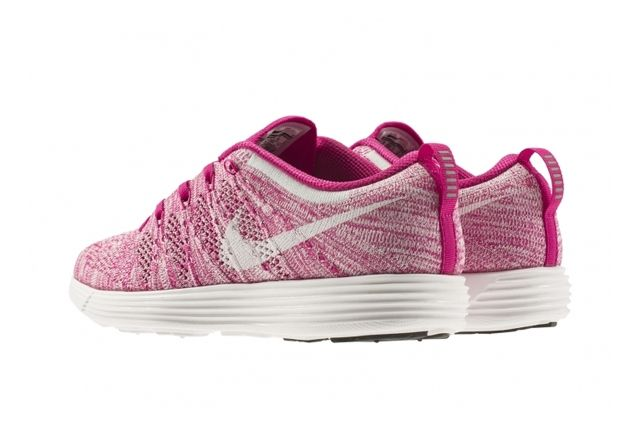 Nike Wmns Flyknit Trainer February Releases 3