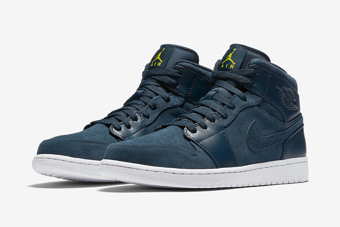 Air Jordan 1 Mid Armory Navy4