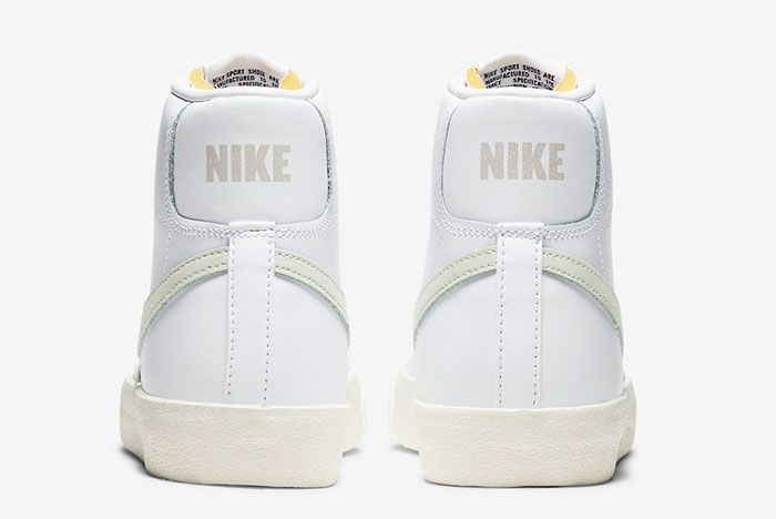 Nike Blazer Mid Light Bone Heel