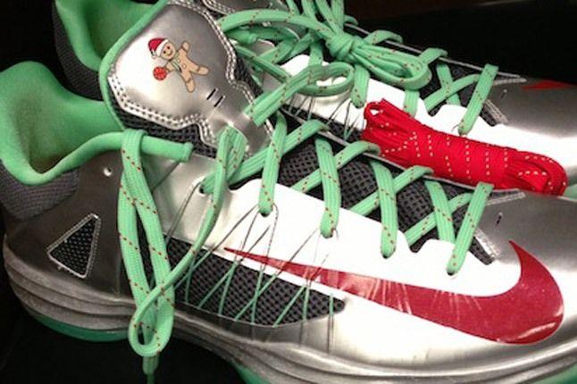 Christmas Nike Hyperdunk Low Side 1
