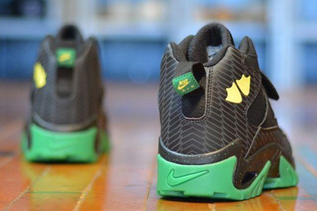 Nike Air Mission Oregon Ducks 5
