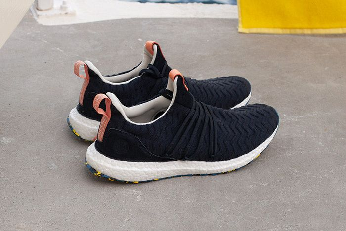 Ultra Boost Slider 1