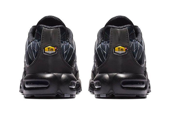 Nike Air Max Plus Le Requin New Black Heel