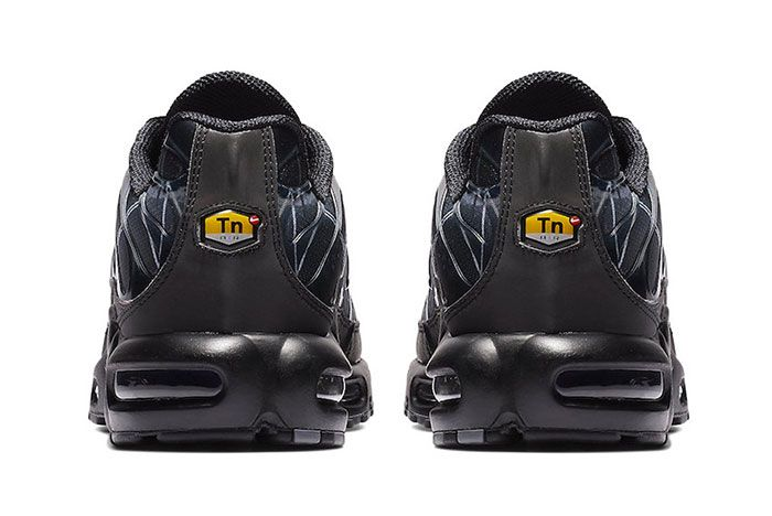 Nike Air Max Plus Le Requin New Black Heel