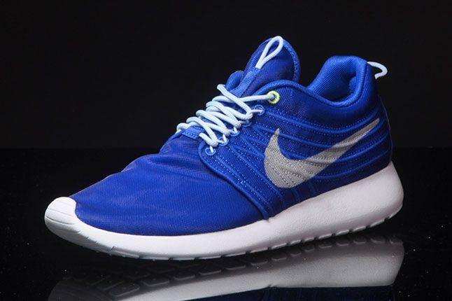 Nike Roshe Run Dynamic Flywire Hyper Blue Quarter Front 1