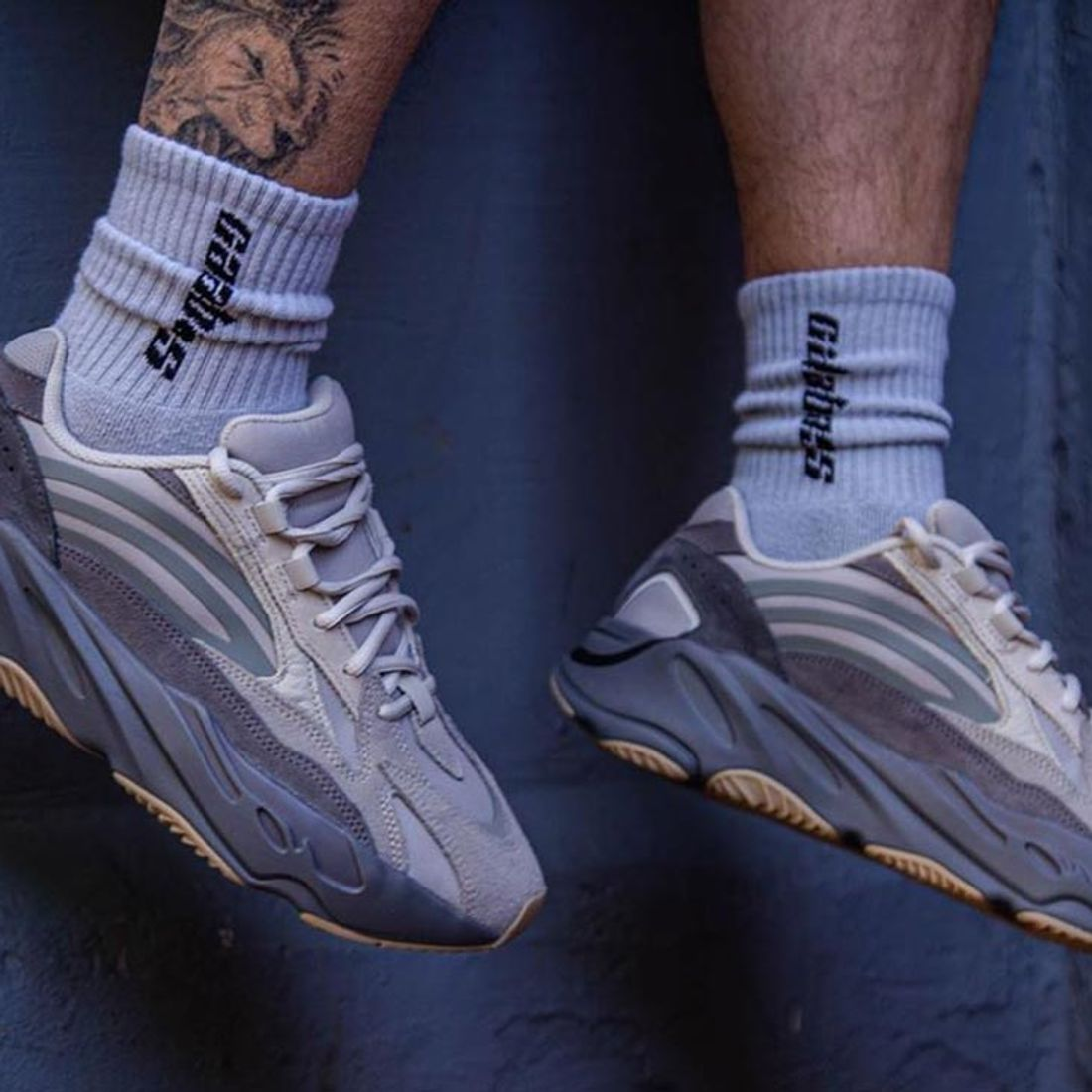 ejemplo Interpretativo Correo aéreo  Here's How People are Styling the Yeezy BOOST 700 'Tephra' - Sneaker Freaker