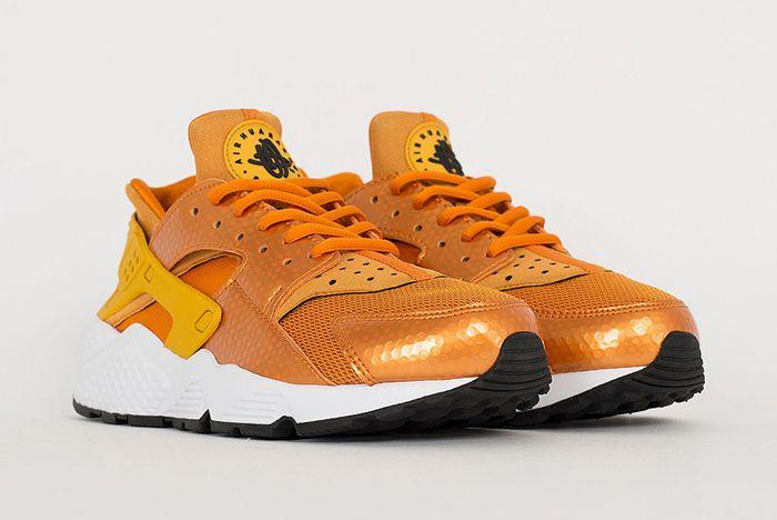 Nike Air Huarache Sunset Gold1