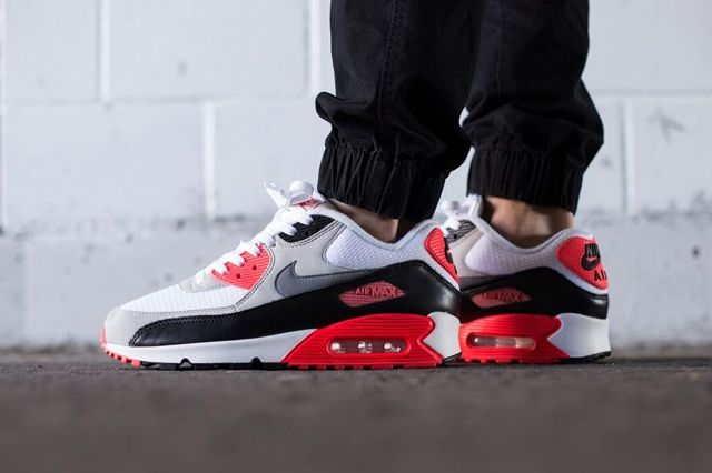Nike Am90 Infrared 2015 Bump 1