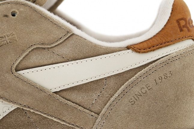 Reebok Classic Leather Suede Sand Midfoot Detail 1