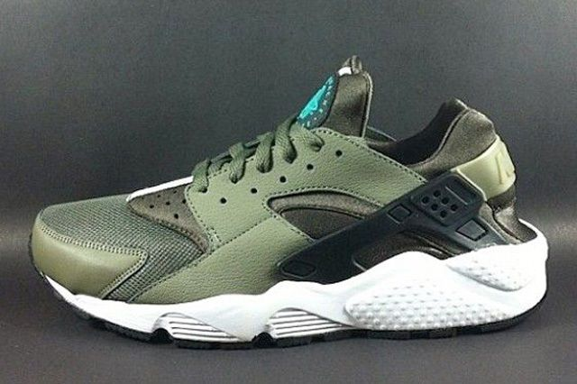 Nike Air Huarache Le Olive 1