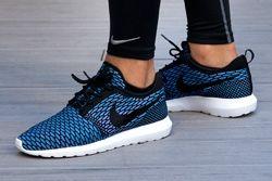 Nike Sportswear Roshe Flyknit Thumb