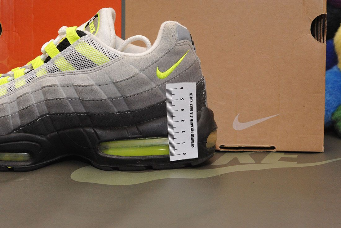 Nike Air Max 95 Neon 2008 Air Bubble Heel Ruler