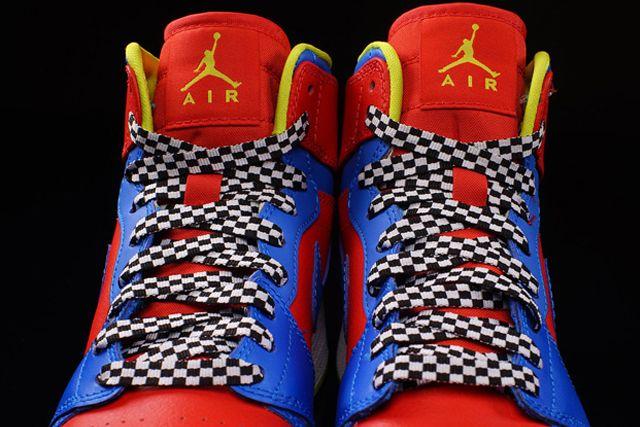Nike Aj1 Chilling Redcyber Photo Blue 3