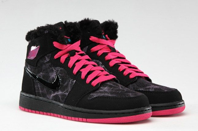 Air Jordan 1 Retro High Premium Fur Vivid Pink 1