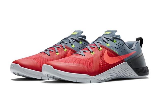 Nike Metcon 1 Daring Red 1