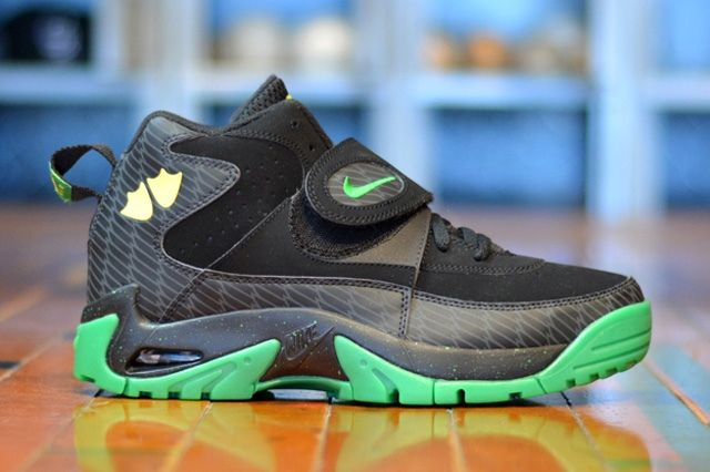 Nike Air Mission Oregon Ducks 4