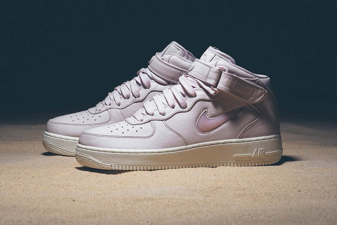 Nike Air Force 1 Mid Jewel Pack 18