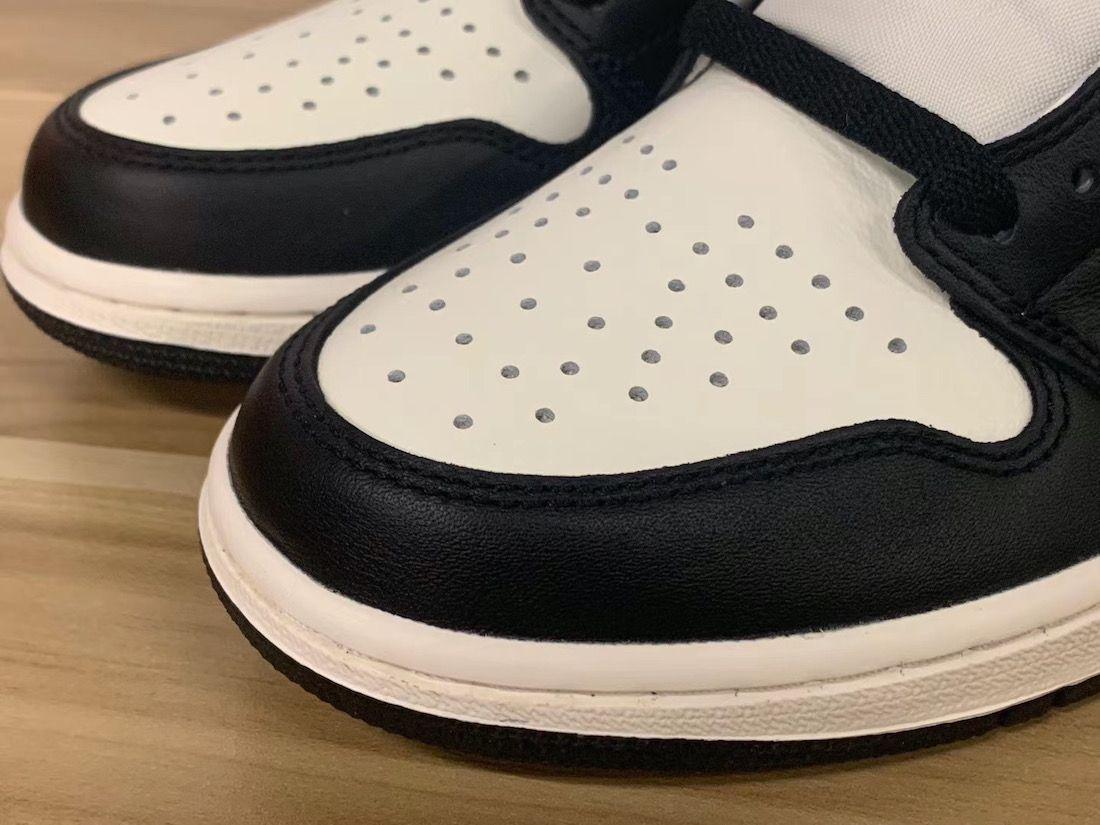 Air Jordan 1 Dark Mocha Toe Box