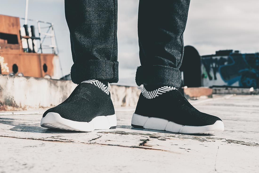 Rens Sneaer Black On Foot