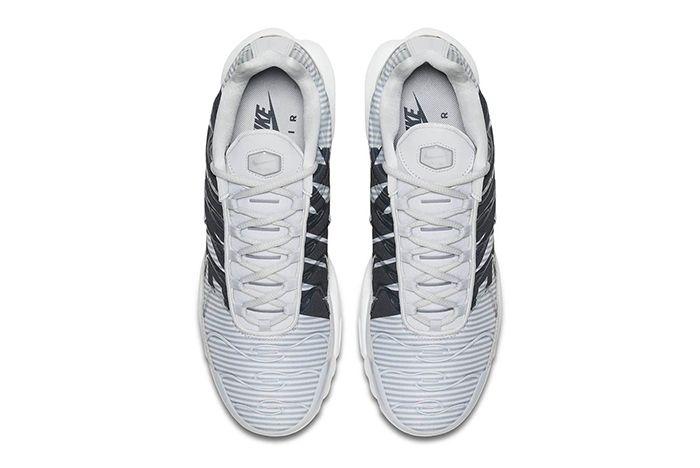 Nike Air Max Plus Mercurial 4